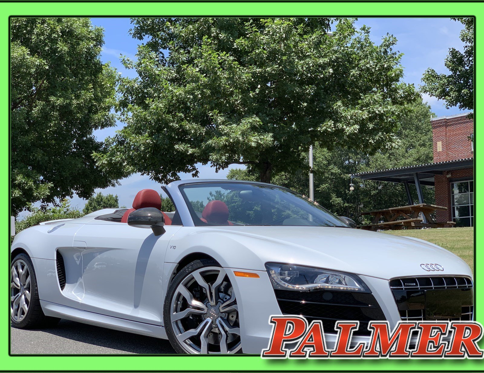 Pre-Owned 2011 Audi R8 5.2